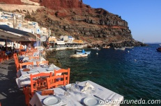Ammoudi harbor in Oia